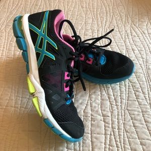 Women's ASICS fluid Axis training shoes 7.5 neon